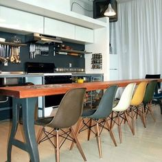 Une salle à manger contemporaine - for more inspiration visit http://pinterest.com/franpestel/boards/