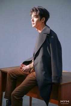 New Actors, Actors & Actresses, Lee Min Ho Wallpaper Iphone, Korean Photography, Lee Minh Ho, Lee Min Ho Photos, Jackson Movie, Handsome Korean Actors, Boys Over Flowers