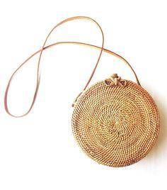 Handwoven rattan box bag, vintage spirit. Handmade by artisans in Bali.
