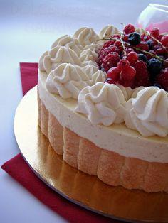 DOLCEmente SALATO: Torta charlotte ai frutti di bosco