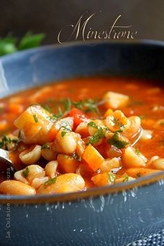 Discover recipes, home ideas, style inspiration and other ideas to try. Easy Healthy Recipes, Lunch Recipes, Soup Recipes, Easy Meals, Vegetarian Freezer Meals, Vegetarian Lunch, Meals For One, Italian Recipes, Healthy Eating