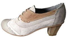 Made in Italy laced heeles shoes for women. Shop online