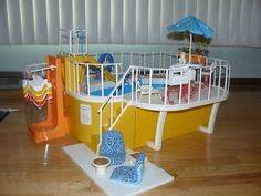 1000 images about barbie vintage on pinterest barbie barbie dream house and vintage barbie for Barbie doll house with swimming pool