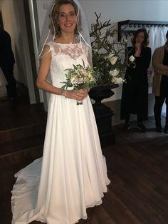 Onze catwalk was superrr #bruid #bruidsjaponnen #bruidsjapon #trouwen #trouwjurk #trouwjapon #trouwjaponnen #lovelylady #bruidsboetiek #bruidsjurken #wedding #weddingdress #sayyestothedress #koonings #bruidsmode