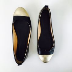 J. Crew flats Black and gold leather flats in size 8.5. In very good used condition, last photo shows scratches at the front. J. Crew Shoes Flats & Loafers