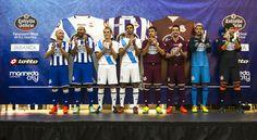 Los futbolistas presentaron las equipaciones de la temporada 2014/2015: la primera (blanquiazul), la segunda (con la bandera gallega), la tercera (granate) y la de porteros #Depor #Deportivo #OsNosos