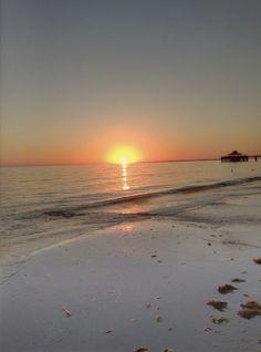 Sunset straight from the beach... #capecoral #florida #intervillas www.intervillas-florida.com Villa, Florida, Celestial, Sunset, Beach, Outdoor, Nice Asses, Outdoors, The Florida