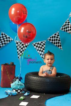 Racing Hot Wheels Birthday, Hot Wheels Party, Race Car Birthday, Race Car Party, Disney Cars Birthday, Cars Birthday Parties, Boy First Birthday, Birthday Ideas, Race Car Cakes