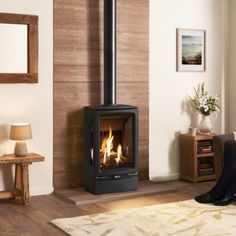 Gazco Vogue Midi T Balanced Flue Gas Stove House, Wood Stove Surround, Home Fireplace, Gas Stove, Modern Cabin, Small House Extensions, Living Room Orange, New Homes, Wood Burning Fireplace Inserts