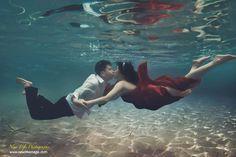 Unique Underwater Prewedding inspiration