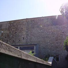 Cimitero di Larino: Il lato orientale del muro di recinzione del nucelo ottocentesco