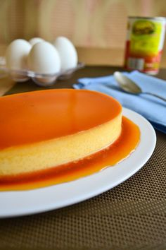 The world's best baked flan recipe. The caramel and cream just go together very well. Everyone will love this baked flan recipe Mexican Flan, Mexican Dishes, Just Desserts, Delicious Desserts, Yummy Food, Baked Flan Recipe, Best Flan Recipe, Baked Leche Flan Recipe, Cuban Flan Recipe