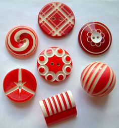 7 Vintage Red/White Celluloid Art Deco Buttons 17mm – 22mm