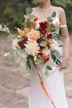 Fall Bouquets, Fall Wedding Bouquets, Fall Wedding Flowers, Bride Bouquets, Flower Bouquet Wedding, Floral Wedding, Autumn Wedding Colors, Natural Wedding Flowers, Bohemian Wedding Flowers