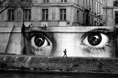 Ojos en Paris(como debe)                                                                                                                                                                                 Más