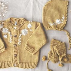 Baby clothes should be selected according to what? How to wash baby clothes? What should be considered when choosing baby clothes in shopping? Baby clothes should be selected according to … Baby Knitting Patterns, Baby Clothes Patterns, Knitting For Kids, Baby Clothes Shops, Toddler Fashion, Fashion Kids, Fashion Clothes, Fashion Games, Fashion Fashion