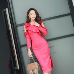 Dresses In a vivid pink ruffles sweet adult style / slit dress