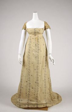 Embroidered cotton dress with train, French c1810. Metropolitan Museum of Art
