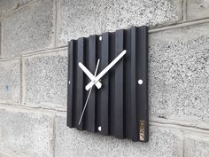 Woodworking Projects Diy, Diy Projects, Wall Clock Wooden, Wall Clock Design, Industrial Furniture, Wood Design, Wood Crafts, Etsy Seller, Handmade Items