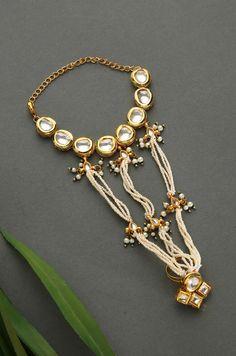 Yoshi Polki and Pearls Hathphool Antique Jewellery Designs, Fancy Jewellery, Stylish Jewelry, Antique Jewelry, Fashion Jewelry, Amrapali Jewellery, Indian Wedding Jewelry, Indian Jewelry, Hand Jewelry