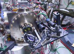 Holometer & hologram universe?- 2 dimensions.