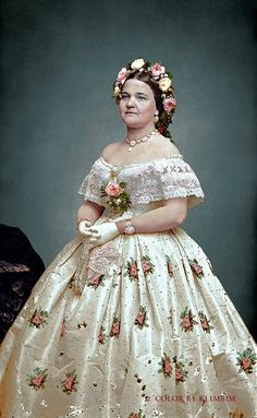 Mary Todd Lincoln, 1861 | www.costumecocktail.com/2016/12/09… | Flickr Mary Todd Lincoln, Abraham Lincoln, Girl Costumes, Costumes For Women, Movie Costumes, Vintage Outfits, Vintage Fashion, Steampunk Fashion, Gothic Fashion
