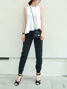 品良く肌見せ♡オシャレ女子はノースリーブをこうやって着る - LOCARI(ロカリ) Black Jeans, Suits, My Style, How To Wear, Yahoo Beauty, Health, Fashion, Moda, Health Care