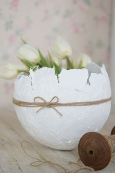 White tulips in a paper mache bowl made with a balloon. Fun Crafts, Diy And Crafts, Paper Mache Bowls, White Tulips, Craft Party, Spring Crafts, Happy Easter, Diy For Kids, Place Card Holders