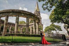 """2 Me gusta, 0 comentarios - Gil Garza (@tresvecesgad) en Instagram: """"México en la piel #tresvecesg #fotografodebodas #fotodeboda #weddingphotographer…"""" Casual Engagement Photos, Instagram, Wedding Pictures"""
