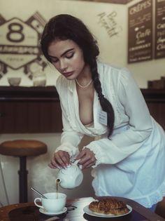 Photo № Photographer David Dubnitskiy Photography Women, Portrait Photography, Reflection Photography, Wedding Photography, Photography Marketing, Photography Guide, Photography Courses, Artistic Photography, Fashion Photography
