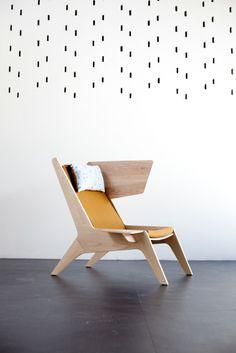 Cheekchair houten fauteuil van Ruben van der Scheer, 2.400 euro