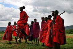 Masais saltando en Kenia