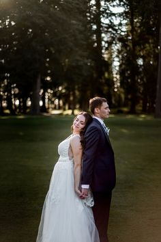 We're Jen Lynn Photography, a husband and wife wedding and family photography team in the Pacific North West. Seattle Photographers, Country Club Wedding, Seattle Wedding, Family Photographer, Golf, Wedding Photography, Wedding Dresses, Fashion, Bride Dresses