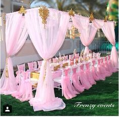 This is great for a baby shower or a little girl's princess party Shower Party, Baby Shower Parties, Baby Shower Themes, Baby Shower Decorations, Shower Ideas, Outdoor Decorations, Pink Decorations, Outdoor Ideas, Unicorn Birthday