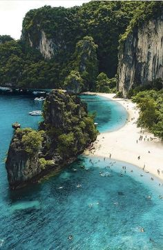 20 most beautiful islands in the world. From French Polynesia to the Caribbean, here are the best islands in the world to visit. Beautiful Places To Visit, Places To See, Lofoten, Travel Aesthetic, Beach Aesthetic, Summer Aesthetic, Beach Trip, Beach Travel, Belle Photo