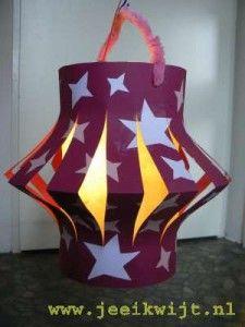 Chinese lampion maken Kindergarten Christmas Crafts, Kids Christmas, Diy Crafts For Kids, Arts And Crafts, Paper Crafts, Hanging Star Light, Halloween Lanterns, Light Crafts, Camping Crafts
