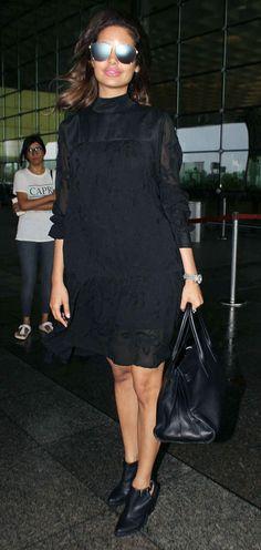 bollywoodmirchitadka: Esha Gupta Spotted at Mumbai Airport