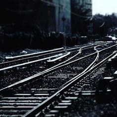 La huella del tren marca lindes y apunta al horizonte! #belgrano #chinatown #barriochino #buenosaires #argentina #b&w #blancoynegro #blackandwhite #fotografia #photography @olloclip @olloclipjapan