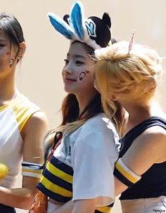 TWICE - Sana 사나 • 湊崎紗夏 & Kim DaHyun 김다현 [GIF] kiss reaction (SaiDa Couple 사이다 커플) #뽀뽀 #움짤