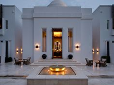 The Chedi Muscat - Muscat, Oman : The Leading Hotels of the World Villa Design, Modern House Design, Contemporary Design, Style At Home, Oman Hotels, The Chedi Muscat, Exterior Tradicional, Modern Mansion, Dream House Exterior