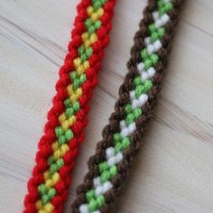 アクリル毛糸のたわしなどを作る時の太目の毛糸で作ったミサンガ