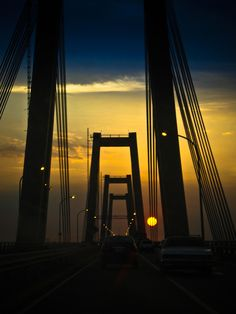 """"""" Cuando voy a Maracaibo y empiezo a pasar el puente siento una emocion tan grande que se me nubla la mente...Es la tierra del zuliano un paraiso pequeño  donde todos son hermanos, desde el goajiro al costeño.."""" Puente de Maracaibo, Venezuela"""