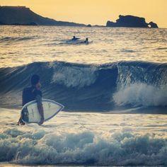 Sports in Gran Canaria. Surf In Las Canteras Beach.