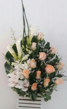 Orquideas, lirios y rosas