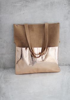 Tote bags - leather pouch by ElektroPulli brown / copper - a designer st . Leather Pouch, Leather Bags, Leather Handbags, Leather Accessories, Handmade Bags, Handmade Leather, Beautiful Bags, Purses And Handbags, Fashion Bags