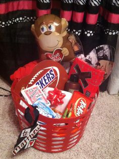 100 Cute Valentine's Day Gifts For Boyfriends That Are Sweet and Romantic - Hike n Dip - Boyfriend gift basket - Cute Boyfriend Gifts, Boyfriend Gift Basket, Valentines Gifts For Boyfriend, Diy Valentine's Gift Baskets, Valentine's Day Gift Baskets, Valentines Day Baskets, Cute Valentines Day Gifts, Movie Night Gift Basket, Dollar Tree Gifts