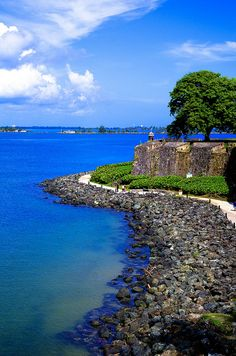 ☀Puerto Rico☀San Juan Antiguo, San Juan, Puerto Rico/ I remember walking through here with nashy and my husband family thinking we would get to the Morro. It turned out it the gate was locked and we had to turned back!! :0( Scandelous...