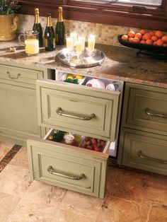Save Space With an Under-the-counter Fridge and Freezer! if i was going build a house I would SOO do this for more counter space!