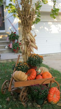 Fall Yard Decor, Halloween Decorations, Yard Decorations, Fall Halloween, Pumpkin, Autumn, Seasons, Interior, Crafts