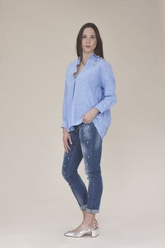 Linen blouse with pearls 165.00$